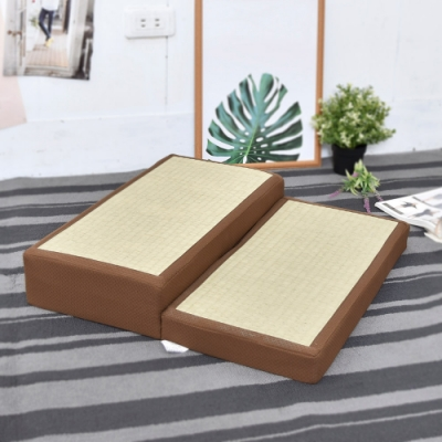窩床的日子- 舒適透氣 燈芯草手提拜墊 跪墊/拜墊/坐墊
