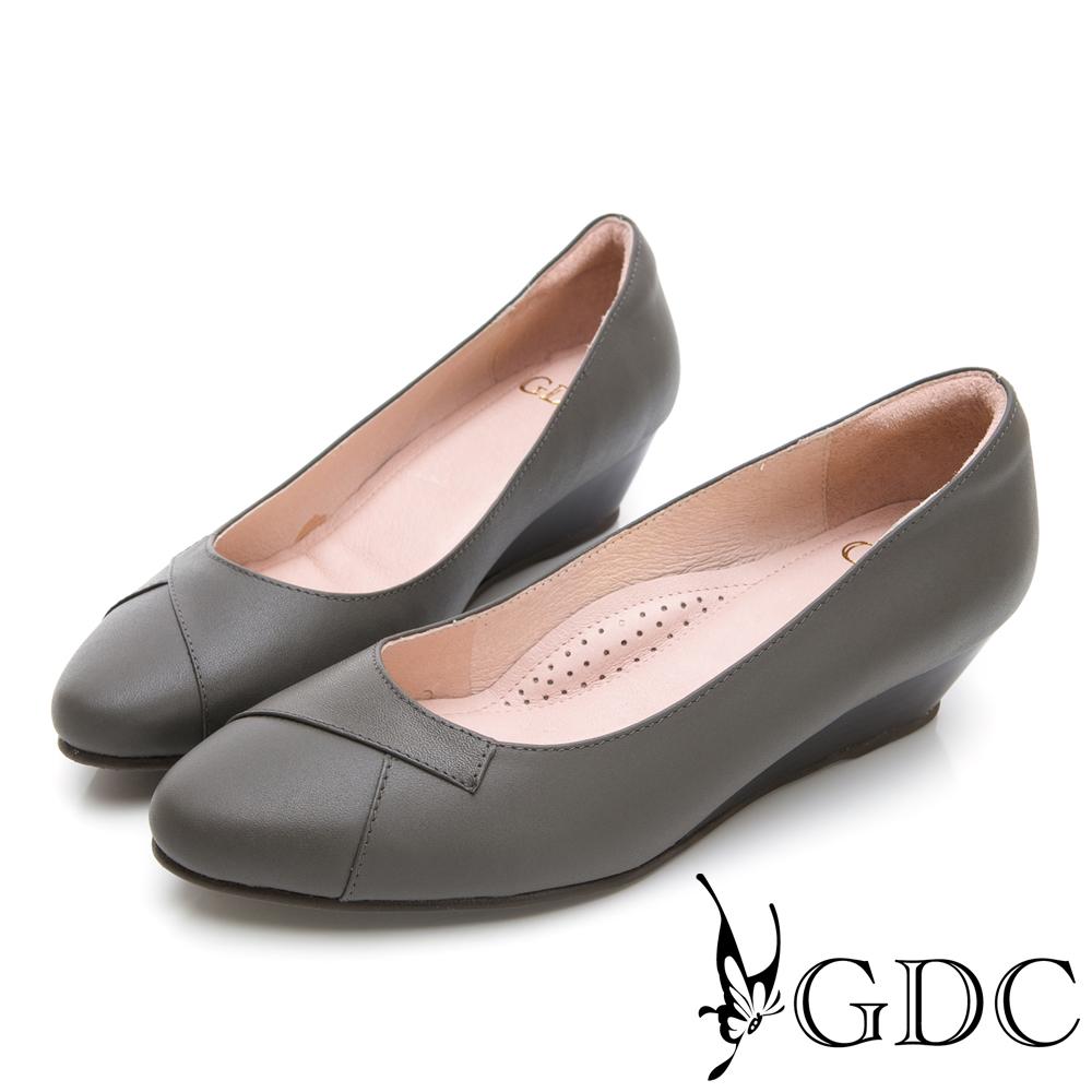 GDC-真皮圓頭基本上班素色楔型跟鞋-灰色