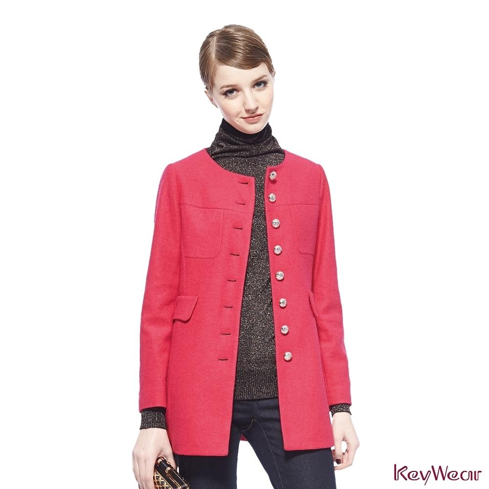 KeyWear奇威名品     復古圓領強縮呢外套-桃紅色