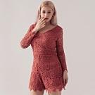 AIR SPACE PLUS V領滿版雕花蕾絲七分袖連身褲(粉紅)