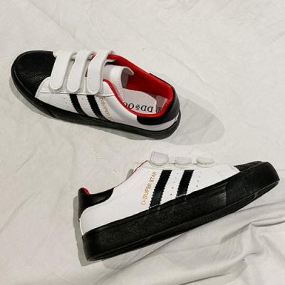韓國KW美鞋館 明星同款柔美愛戀休閒小白鞋-黑+紅