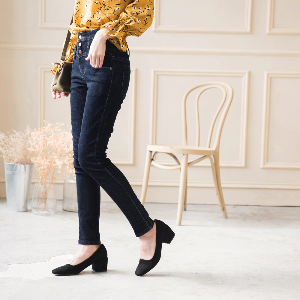 高腰釦飾造型緊身牛仔窄管褲-OB嚴選