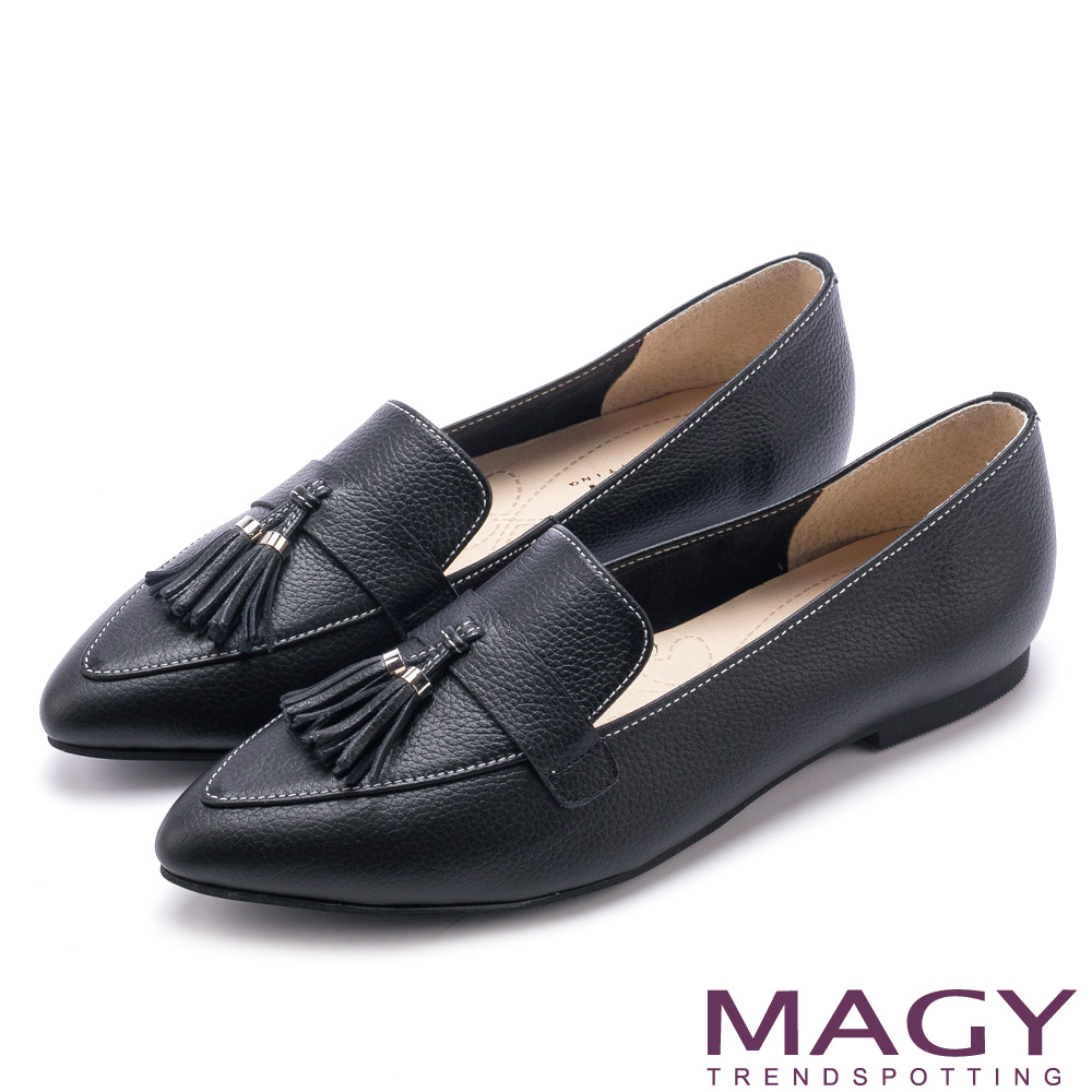 MAGY 復古上城女孩 柔軟牛皮流蘇樂福平底鞋-黑色