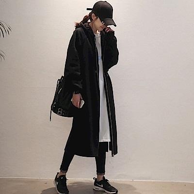 La Belleza素色連帽抽繩內裡加絨刷毛厚棉側邊開叉雙口袋長版拉鍊外套