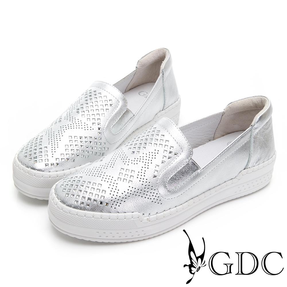 GDC-超軟!真皮簍空水鑽舒適休閒鞋-銀色
