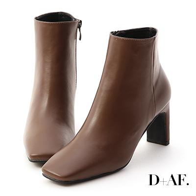 D+AF 美腿指標.復古方頭美型高跟短靴*咖