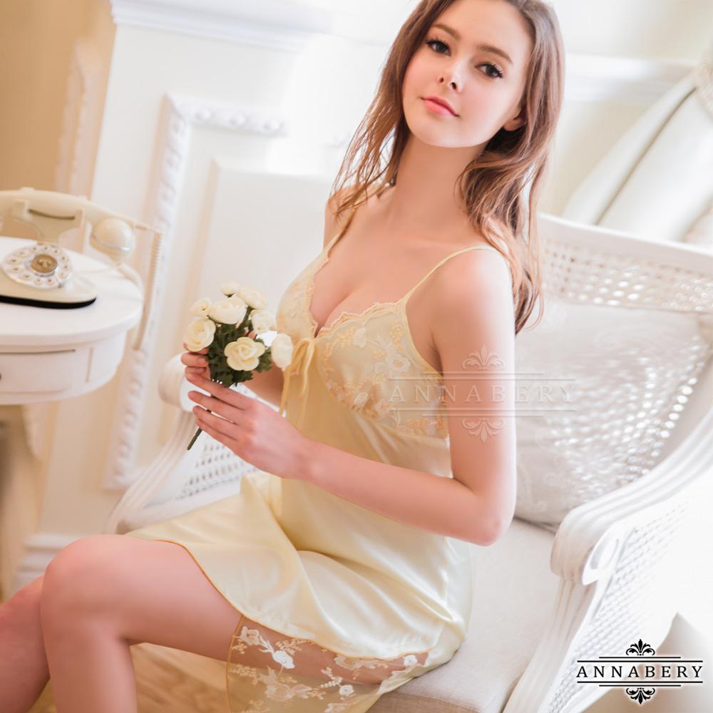 大尺碼 蕾絲刺繡優雅緞面睡衣 黃L-2L Annabery