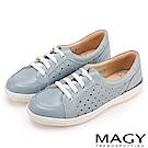 MAGY 樂活休閒 真皮星星穿孔綁帶休閒鞋-淺藍