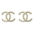 CHANEL 經典小水鑽裝飾雙C LOGO經典耳環(香檳金)