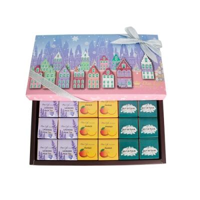 Diva Life 粉紅聖誕 巧克力片18入禮盒