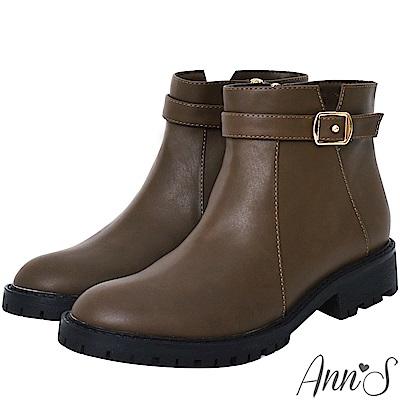 Ann'S均衡甜美模樣-帥氣小V缺口金釦帶短靴-咖