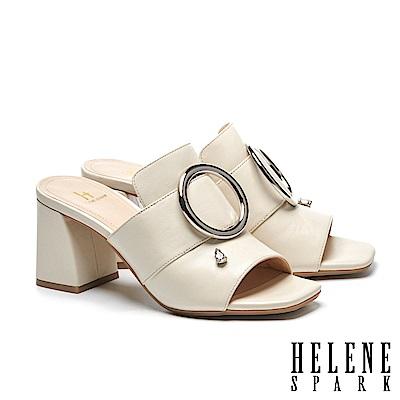 拖鞋 HELENE SPARK 金屬圓釦水滴鑽飾全真皮高跟拖鞋-米
