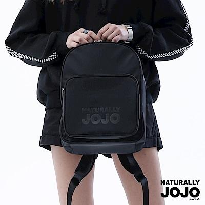 NATURALLY JOJO 時尚休閒印字後背小包(黑)