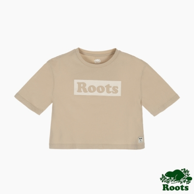 Roots女裝-曠野探索系列 Roots文字寬短版短袖T恤-淺咖啡
