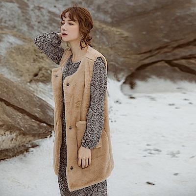 純色仿兔毛柔軟親膚毛料排釦長版背心-OB大尺碼