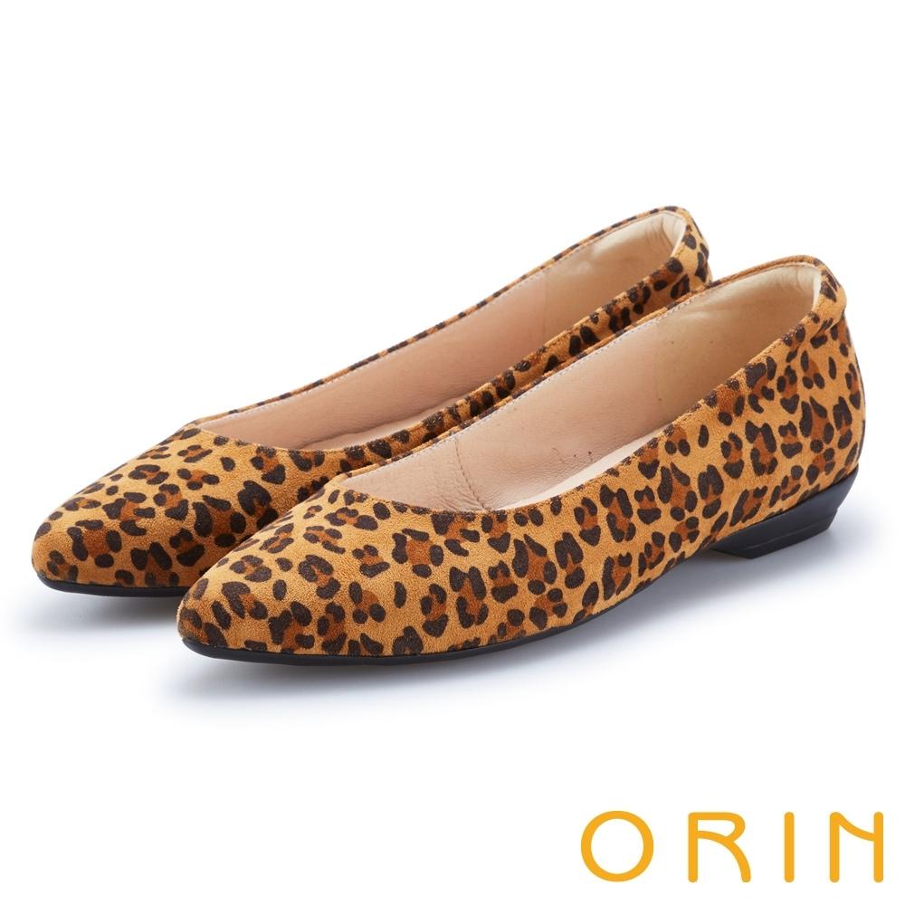 ORIN 都會時尚 質感絨布尖頭低跟鞋-豹紋