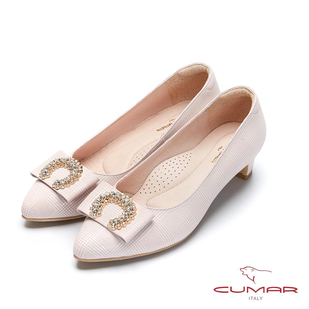 CUMAR文藝羅浮宮- 特殊格紋半月鑽飾扣尖頭低跟鞋-粉