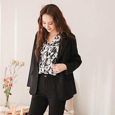 韓系簡約墊肩修身版型質感鈕釦口袋西裝外套-OB大尺碼