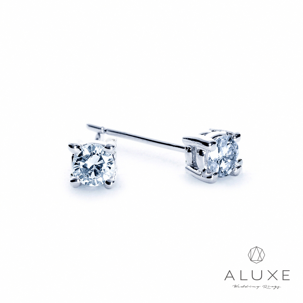 ALUXE亞立詩 18K金 總重0.16克拉 四爪鑲單顆美鑽耳環