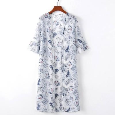 La Belleza荷葉喇叭袖含羞草小紅花葉子印花前綁結兩側開叉雪紡罩衫外套