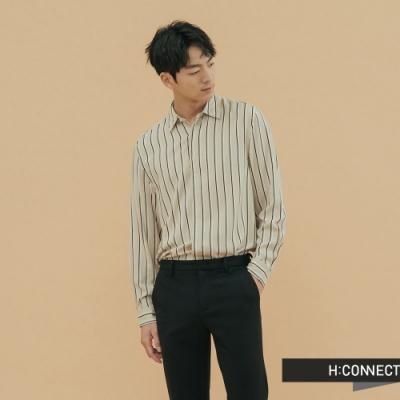 H:CONNECT 韓國品牌 男裝-都會感直條紋襯衫-卡其(快)
