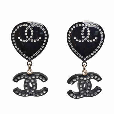 CHANEL 經典雙C LOGO水鑽鑲飾愛心造型夾式耳環(金色)