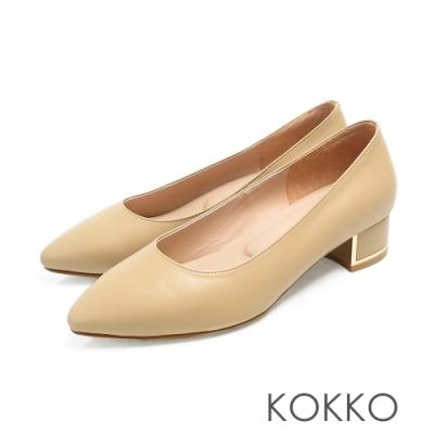 KOKKO - OL最愛尖頭金屬軟墊粗跟鞋 - 霧奶茶色