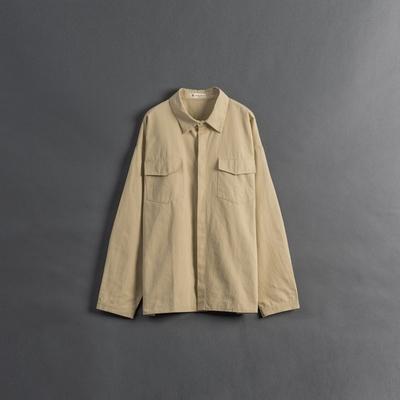 QUEENSHOP 男裝 排釦門襟設計雙口袋襯衫 S/M/L 現+預【01024426】