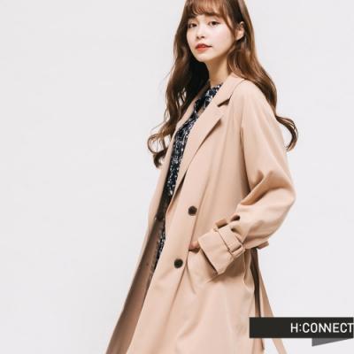 H:CONNECT 韓國品牌 女裝-優雅排扣造型風衣-卡其