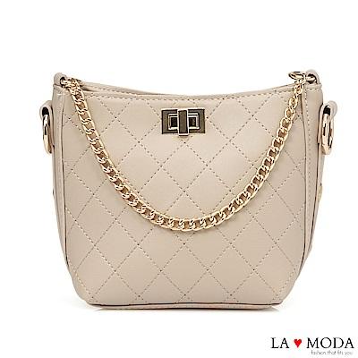 La Moda 人氣小香風菱格紋車線大容量旋鈕鍊帶多背法肩背斜背包(米白)