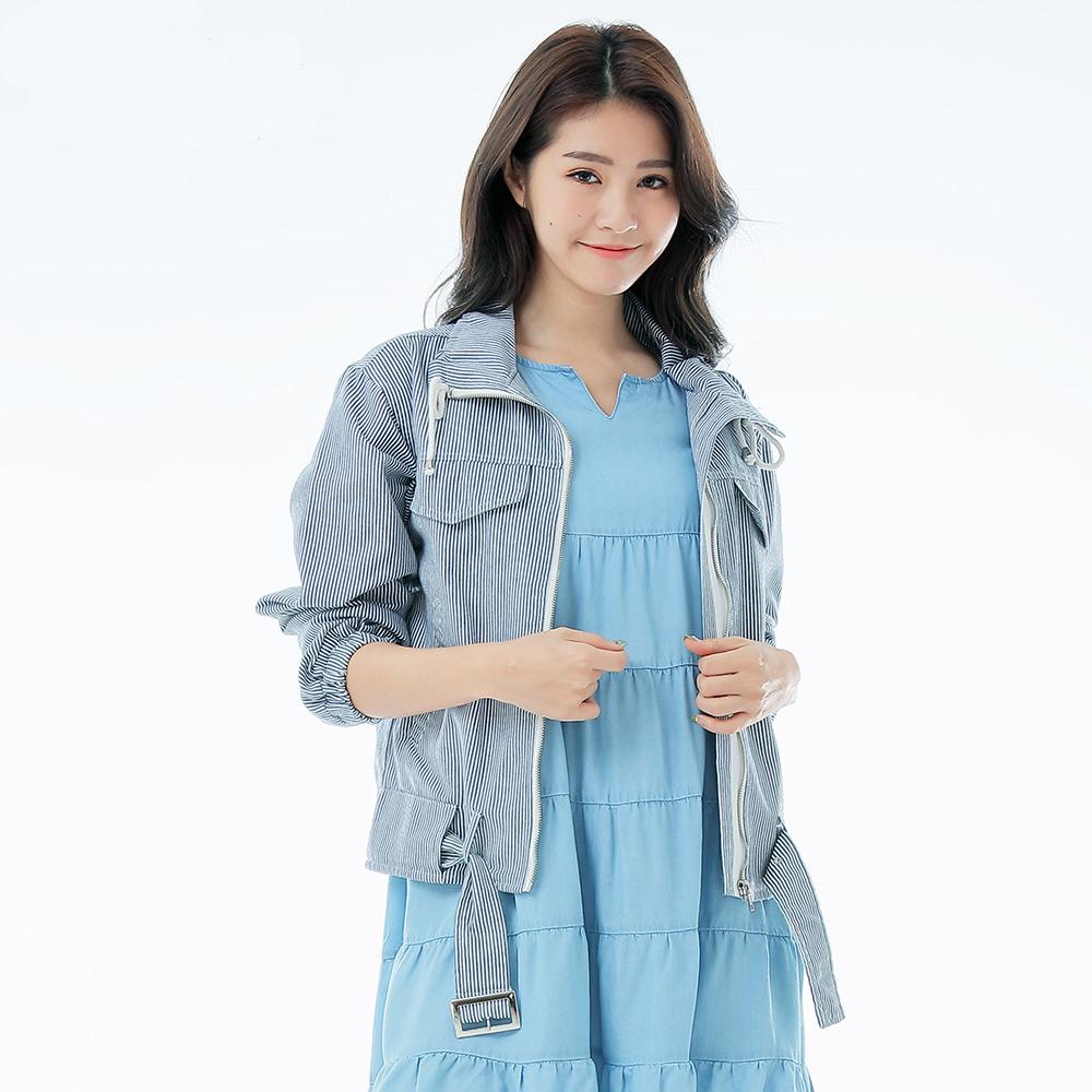 Victoria 水洗腰帶休閒外套-女-藍白細直條
