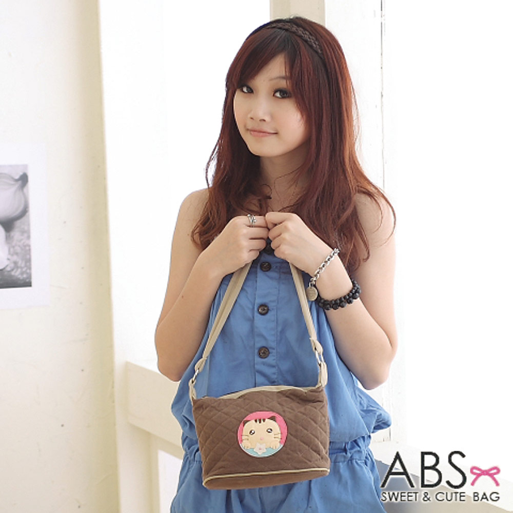 ABS貝斯貓 可愛餅乾貓咪拼布側背 肩背包(咖啡)88-119