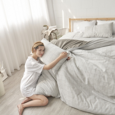 BUHO 天然嚴選純棉雙人加大四件式兩用被床包組(寂夜拾語)