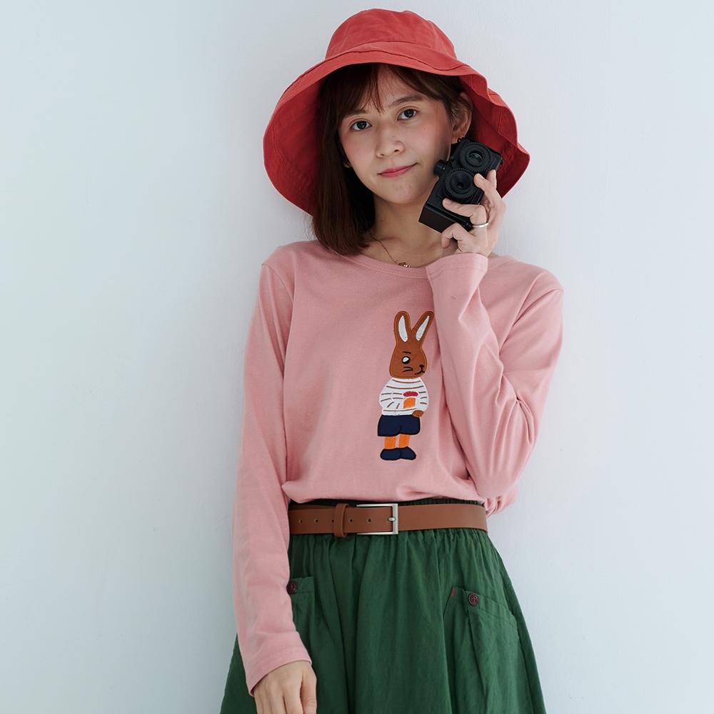 慢 生活 兔子刺繡拼布休閒寬版上衣- 粉紅/紅