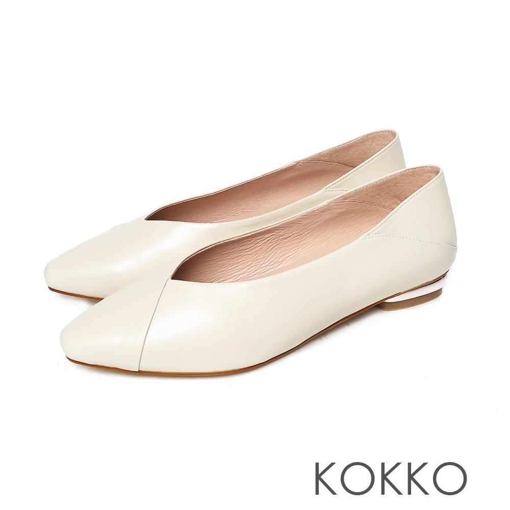 KOKKO方頭超柔軟綿羊皮後踩舒壓彎折平底鞋椰奶米