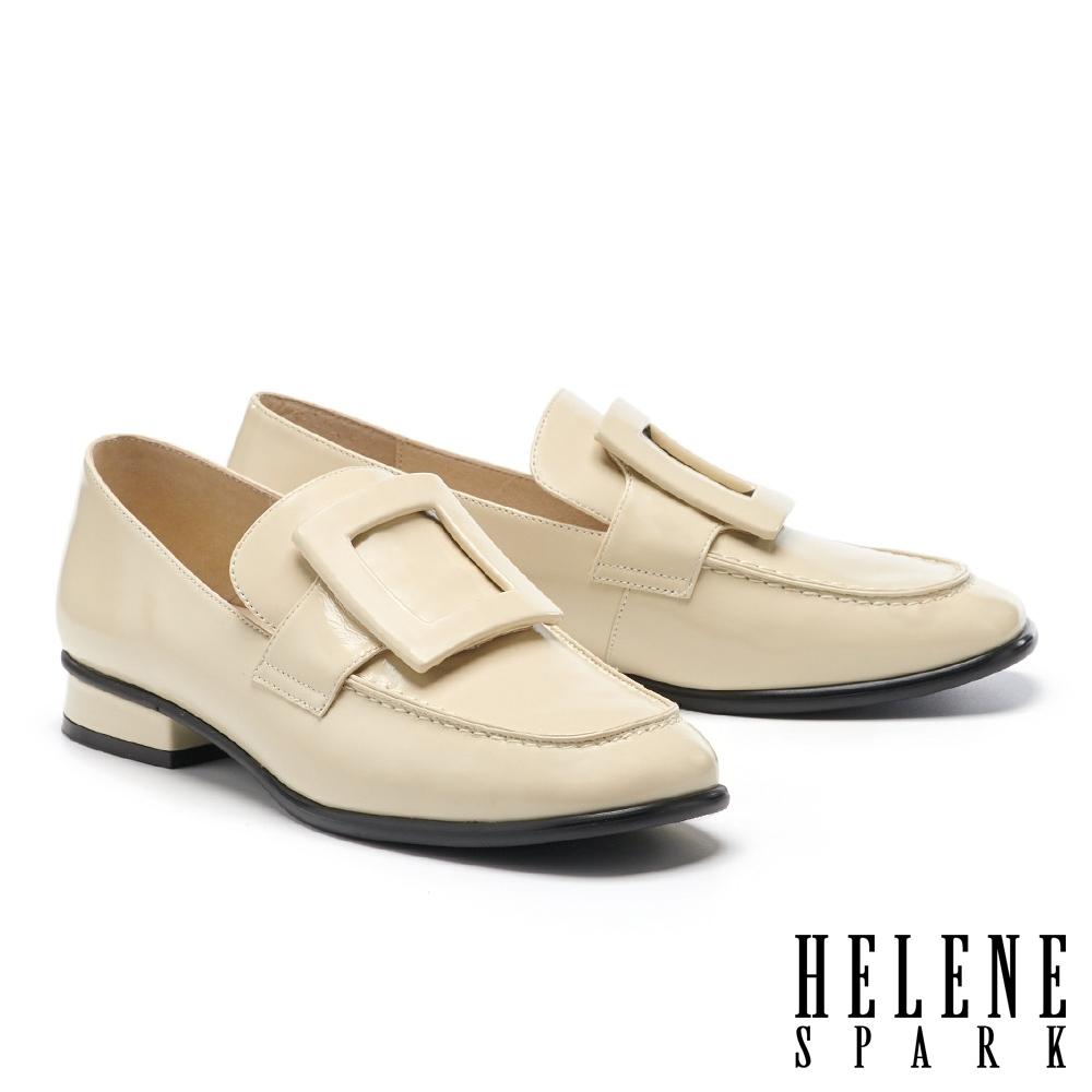 低跟鞋 HELENE SPARK 復古知性大方釦方頭樂福低跟鞋-米