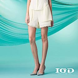 IGD英格麗 蕾絲飾邊造型短褲-黃