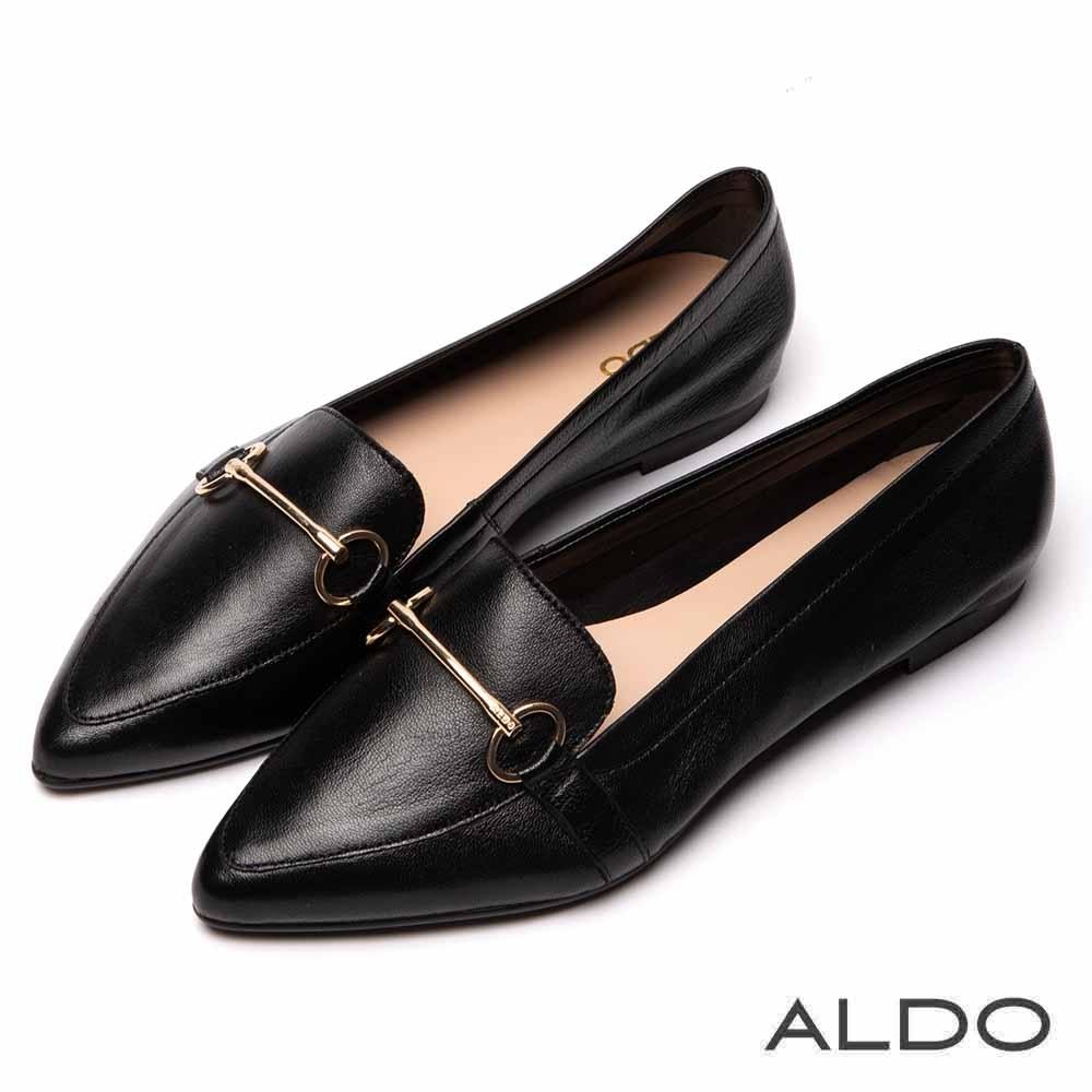 ALDO 原色羊皮佐金屬車線尖頭鞋~尊爵黑色