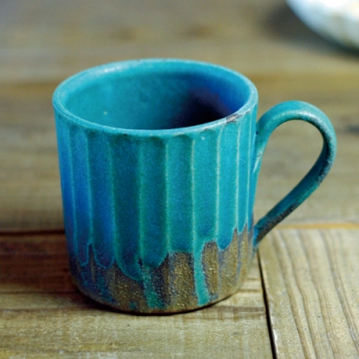 有種創意 - 日本益子燒 - 青綠燻刻紋馬克杯-410 ml
