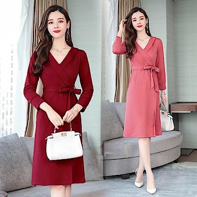 純色V領時尚綁帶開衩裙長袖洋裝M~3XL(共二色)-REKO