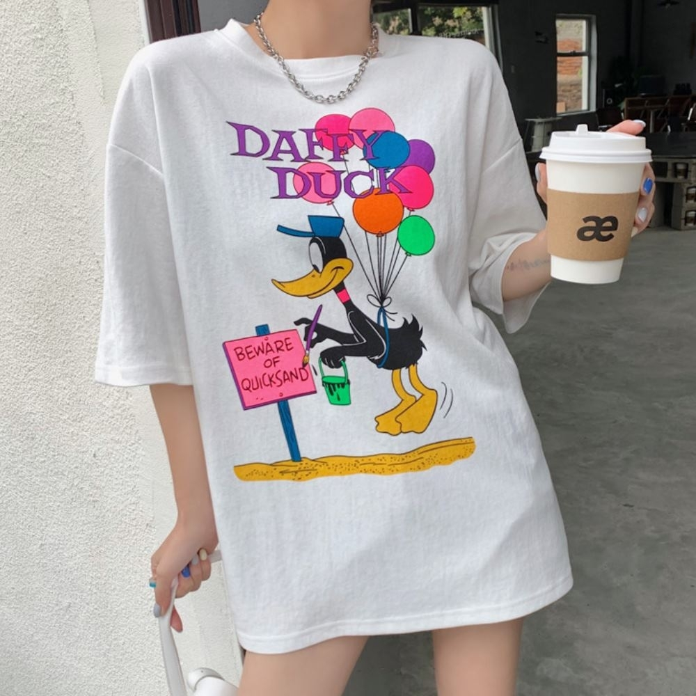 MOCO鴨子拿氣球彩色卡通印花長版棉質T恤M~XL