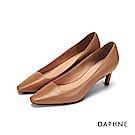 達芙妮DAPHNE 高跟鞋-素色真皮霧面斜跟高跟鞋-咖啡