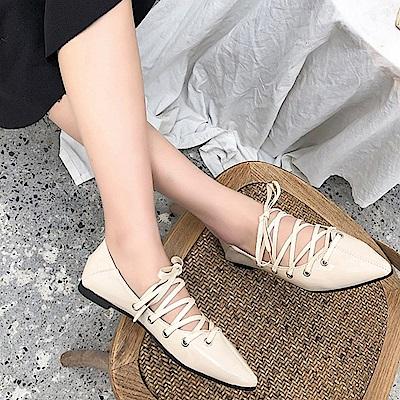 韓國KW美鞋館 時尚元素異國民族綁帶尖頭鞋-米色