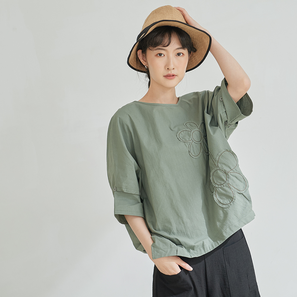 慢 生活 花朵貼布拼接袖棉麻上衣-綠/卡其
