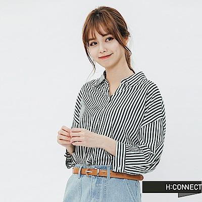H:CONNECT 韓國品牌 女裝-下襬抓皺直條紋襯衫-綠