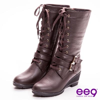ee9 心滿益足 個性型女雙皮帶扣綁帶裝飾真皮休閒中筒軍靴 咖色