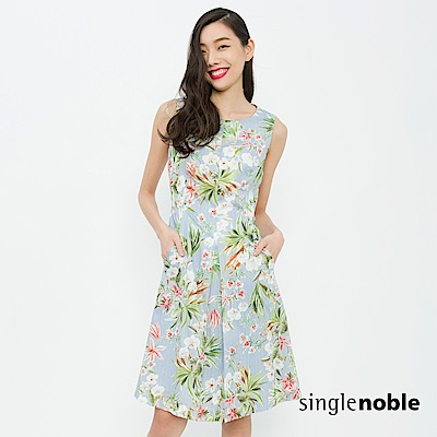 獨身貴族 致敬盛夏熱帶印花打褶設計洋裝(2色)