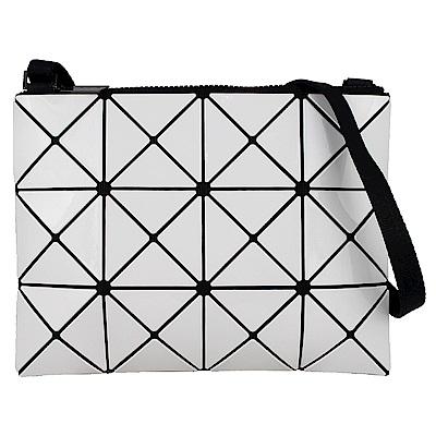 ISSEY MIYAKE 三宅一生BAOBAO三角方格3x4小型斜背包(白)