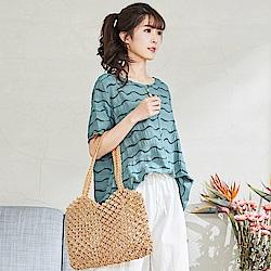 慢 生活 波浪線條薄款上衣- 綠/白