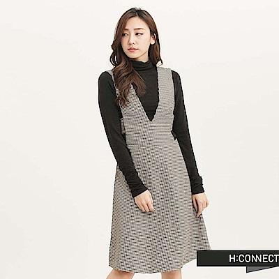 H:CONNECT 韓國品牌 女裝 - 設計V剪裁吊帶洋裝 -卡其(快)